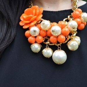 Flower & Pearl Necklace